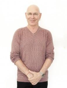 """ד""""ר דני לוסקי PhD איש חינוך. מומחה לרפואה משולבת, פסיכותרפיה, נטורופתיה לוסקי תרפיה טבעי."""